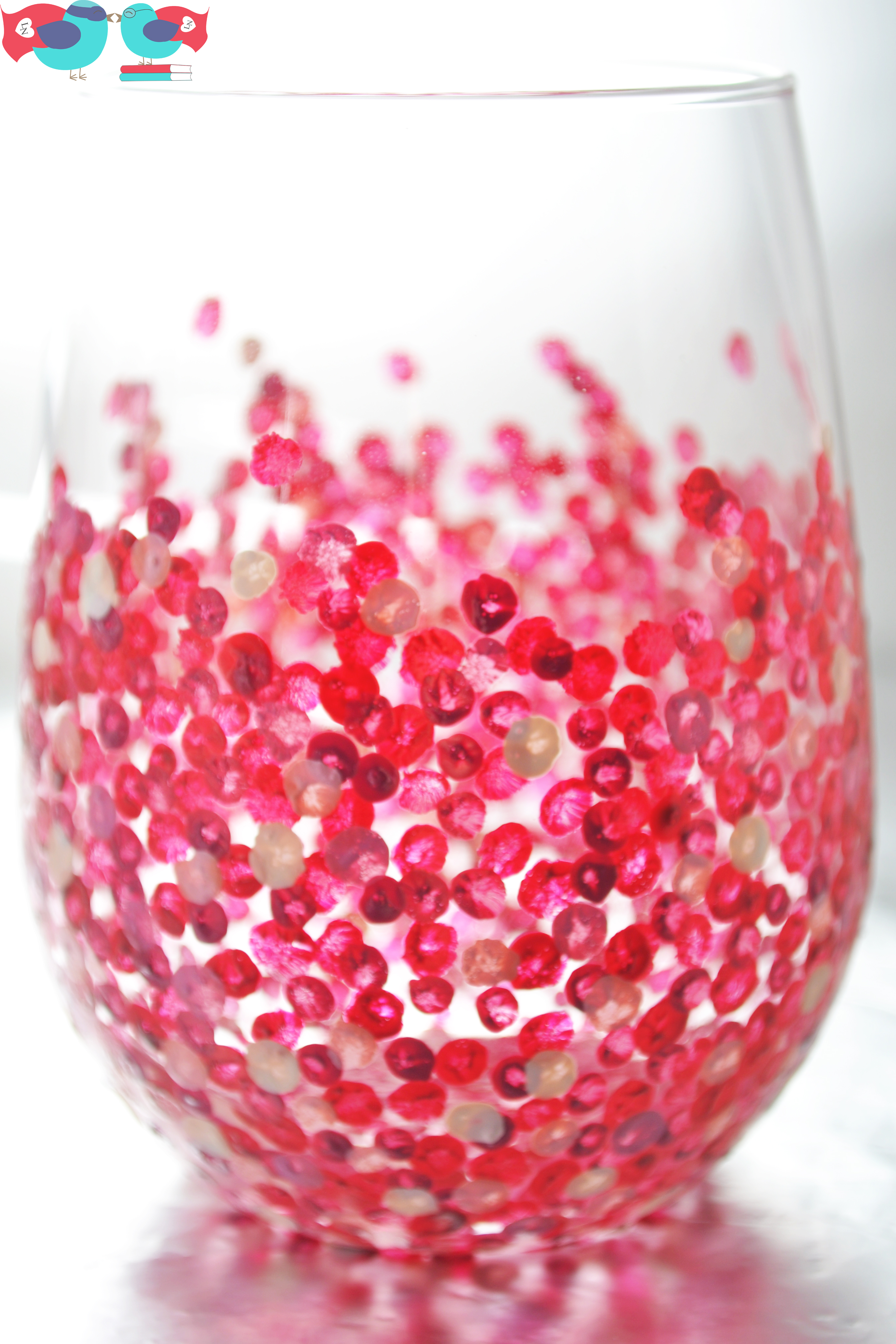how to decorate wine glasses with hand painted confetti