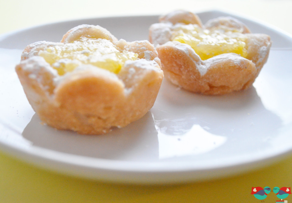 Sunny Lemon Shortbread Flower Cookies, perfect for summer and adorable enough for baby or bridal showers @ thelovenerds