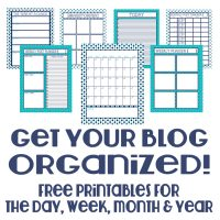 Free Blog Organizer Materials - Materials will help you get organized daily, weekly, monthly, and yearly! @ The Love Nerds {https://thelovenerds.com}