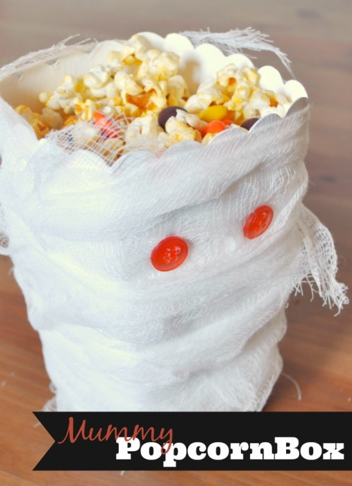 Serve your Halloween Treats in a Spooky Mummy Popcorn Box! {The Love Nerds} #Halloween #Hallowenparty #popcornbox