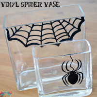 DIY Halloween Spider Vase with vinyl - From The Love Nerds {https://thelovenerds.com}