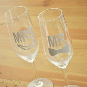 Bow Tie and Pearls Wedding Flutes 3