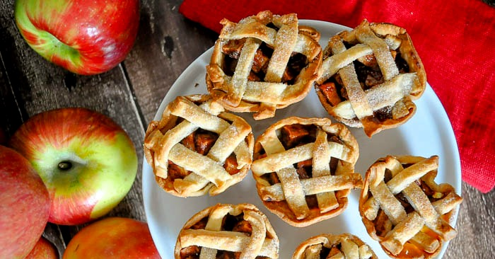 Individual Apple Pies are filled with delicious fall flavors and make the perfect holiday dessert! | The Love Nerds