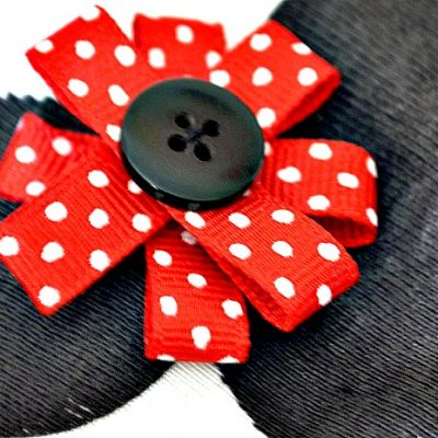 DIY Minnie Mouse Onesie