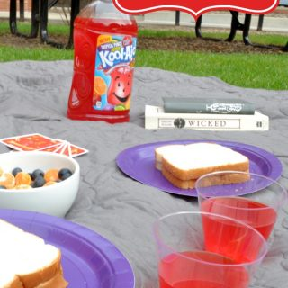 #KoolOff with Fun Summer Picnics - Who says fun dates needs to be planned? {The Love Nerds} #CollectiveBias #summerfun #Imdatingmyhusband