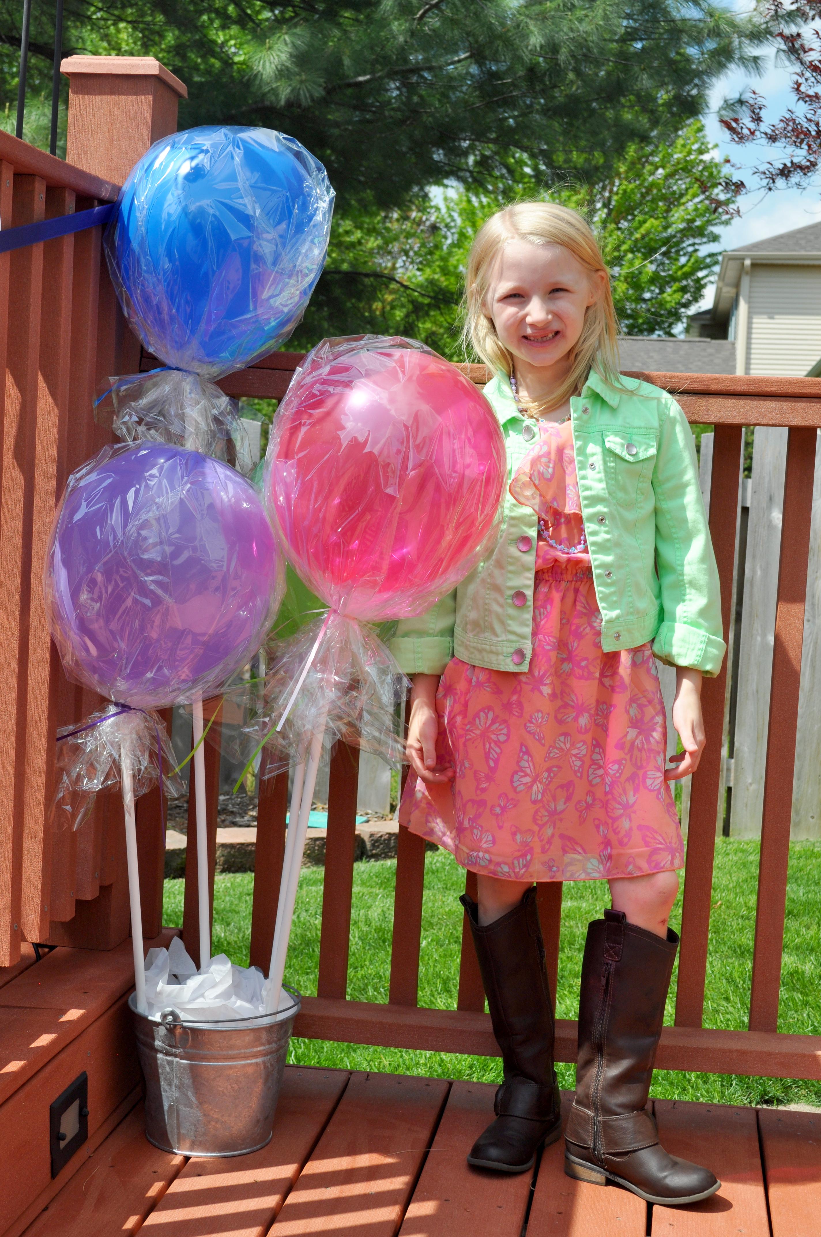 Lollipop Birthday Party {The Love Nerds} #birthdayparty #lollipopparty