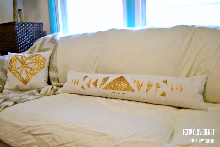 Gold Glitter Geometric Lumbar Pillow DIY - No sewing needed!  {The Love Nerds} #homedecor #crafts #vinyl