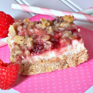 Gooey Raspberries and Cream Bars - Cooking for a Cure {The Love Nerds} #pinkrecipe #dessert