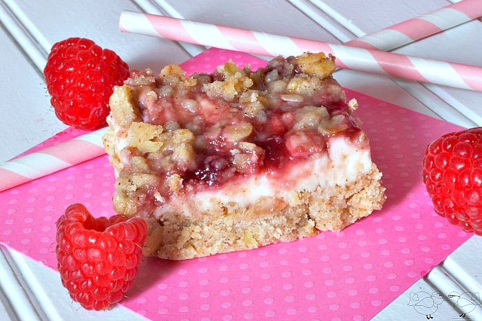 Gooey Raspberries and Cream Bars - Cooking for a Cure {The Love Nerds} #pinkrecipe #cookingforacure #dessert
