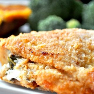 Apple Spinach and Goat Cheese Stuffed Chicken Recipe - An easy but delicious dinner idea ! This chicken recipe is part of our November apple series! {The Love Nerds}