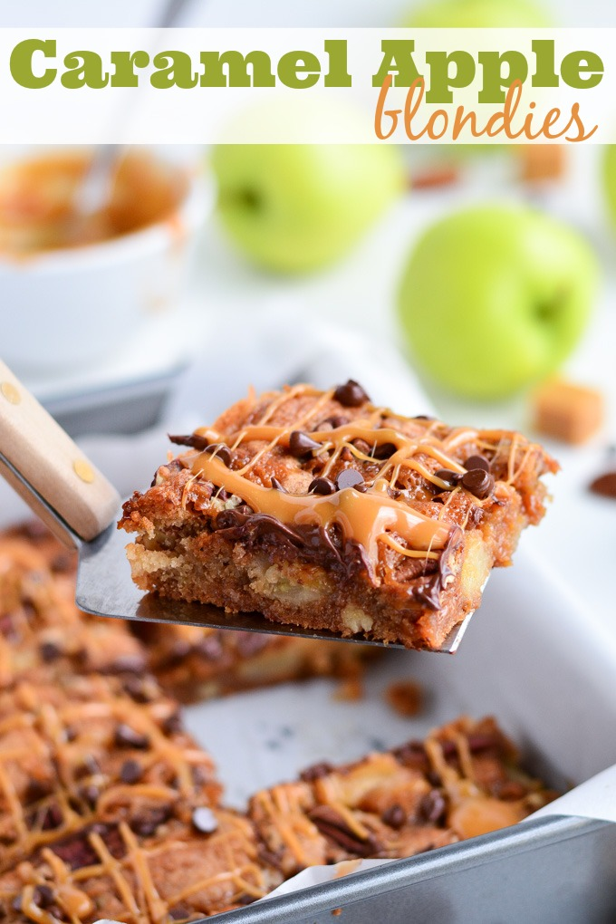 Delicious and Stunning Caramel Apple Blondies! Melanie from Garnish and Glaze has outdone herself with this yummy dessert recipe. {The Love Nerds Apple Series}