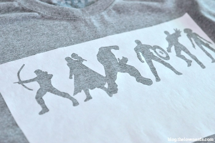 Why pay lots of money when you can make your own DIY Avengers Shirt? Get creative with the shirt design or use the FREE Avengers Silhouettes I'm sharing! {The Love Nerds}