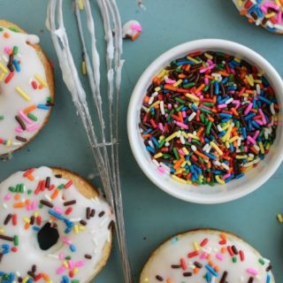 Want to know the best way to start off any birthday?! Then check out these Funfetti Baked Cake Mix Donuts!!