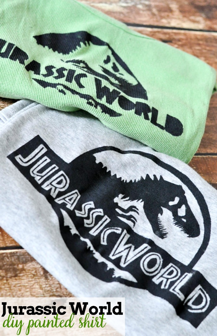 Who's excited for Jurassic World?! I definitely am so got a little crafty with these DIY Jurassic Park Shirts!   The Love Nerds