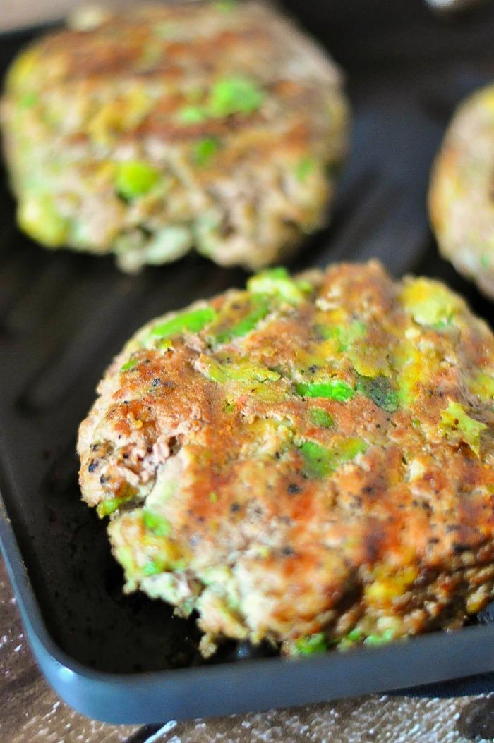 Turkey Avocado Burgers | 15 Healthy Ground Turkey Recipes | Homemade Recipes
