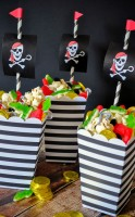 Neverland Pirates Treasure Popcorn Mix - Make a deliciously sweet popcorn mix that is the perfect Peter Pan recipe honoring Neverland's Pirates! | The Love Nerds