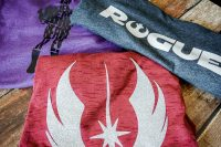 Making your own nerd shirts is so easy! Come see how I made these DIY Star Wars Shirts and get crafting! | The Love Nerds