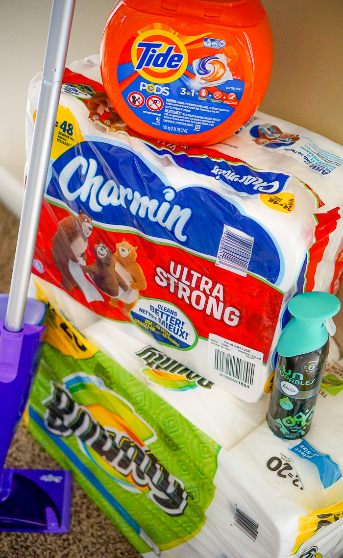 Moving Tips to Help Unpacking Go Quickly - Getting Settled into your new home can be easier with simple moving organization tips and easy clean hacks!! | The Love Nerds #ad #CleanHomeSavings