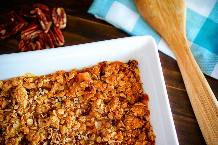 Fresh Peach Crisp - Homemade Peach Crisp is not hard! This easy recipe will deliver a delicious peach dessert your whole family will love! | The Love Nerds