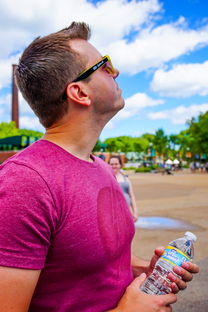 Why Everyone Should Experience A Chicago Summer - A summer trip to Chicago should definitely make it on your travel bucket list! So many fun things to do in the sun!   The Love Nerds #ad #NestleSplashOfFun