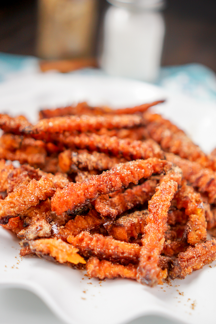 Unbelievably Good Dessert Sweet Potato Fries - Bake up a batch of Cinnamon Sugar Sweet Potato Fries for a sweet treat at your next gathering! | The Love Nerds #ad #JoyintheKitchen