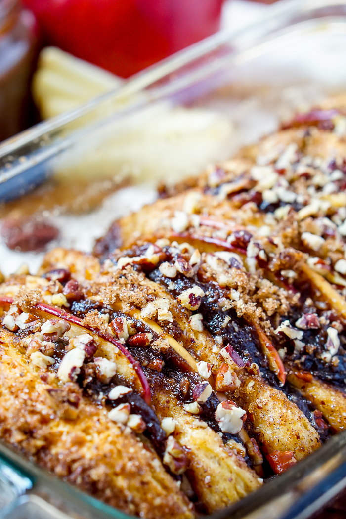 Warm Apple Pecan Pull Apart Bread filled with spiced crock pot apple butter, fresh apple slices, pecans, and great fall flavor! | The Love Nerds