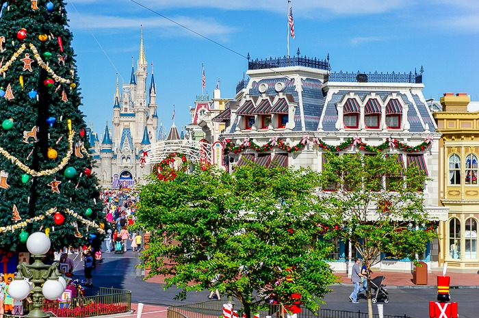 if you are a disney fan experiencing the magic of disney world at christmas should definitely be on your travel list - Disneyworld At Christmas Time