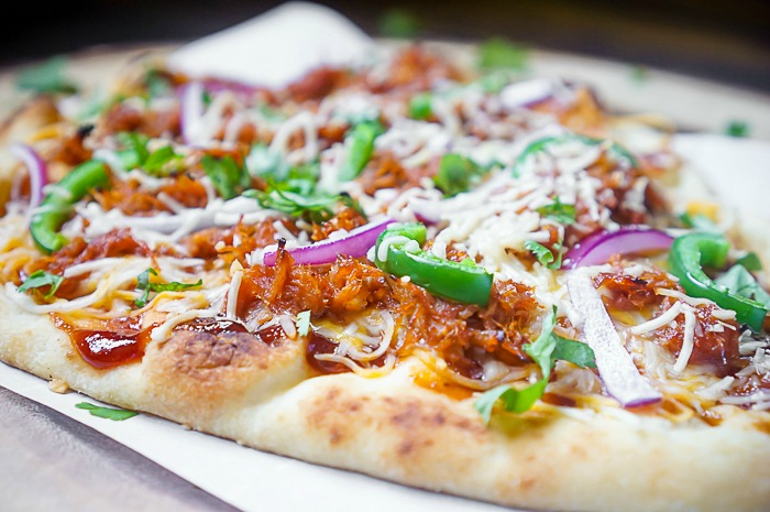 15 Minute BBQ Pulled Pork Flatbread Pizza
