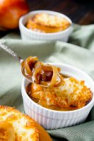 Entirely Made in the Slow Cooker French Onion Soup