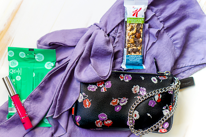Essential Items for this Bag Lady's On-the-Go Lifestyle: Mom, Wife, Friend, Blogger, Photographer... No matter what bag I have on me, here's what I need. | The Love Nerds