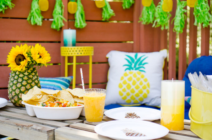 7 Tips for Hosting the Ultimate Pineapple Pool Party! From tips and tricks to fun Tropical Slushy Recipe for both the kids and adults, I have you covered! | The Love Nerds #ad #MyChinetParty @mychinet