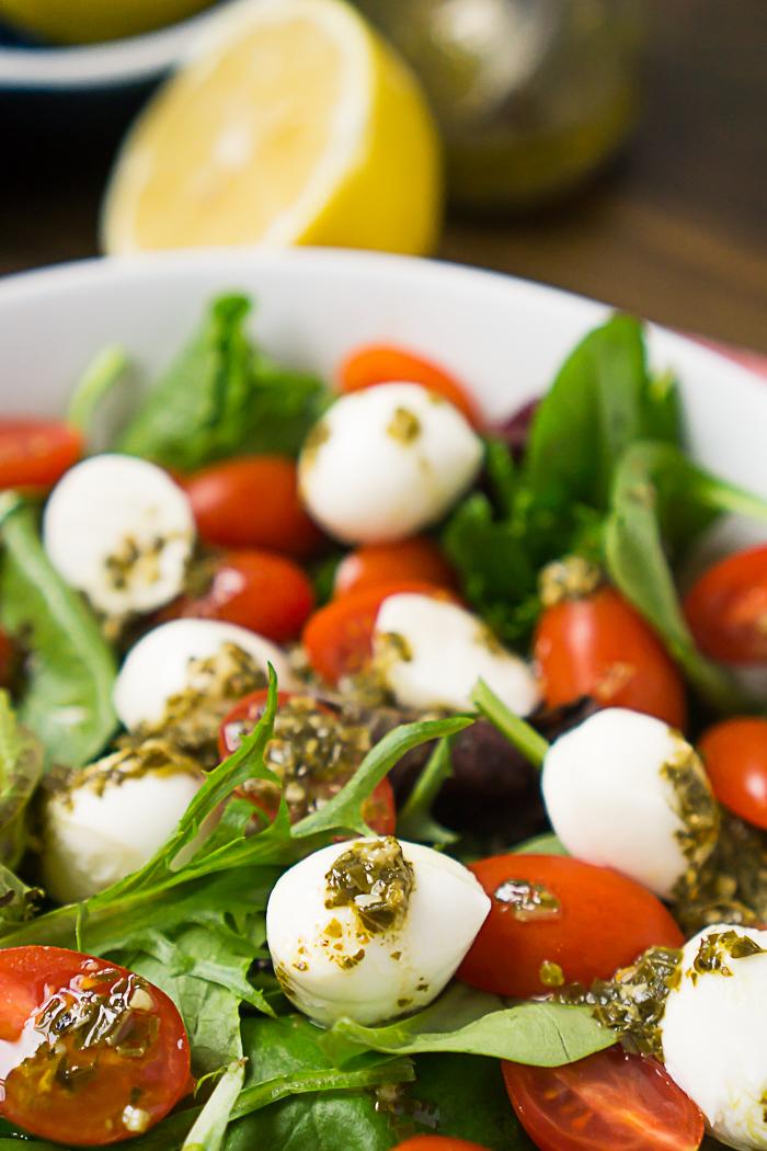 4 Ingredient Pesto Vinaigrette Recipe makes the perfect light homemade caprese salad dressing