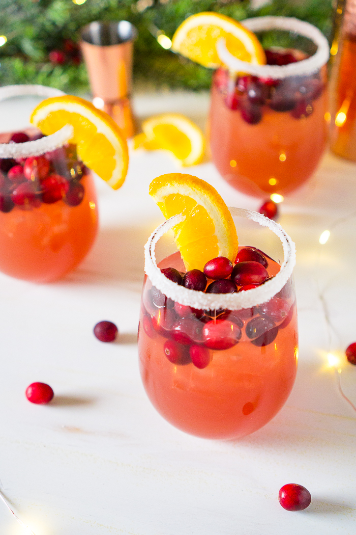 Easy Holiday Cocktail Recipes for fall and winter!