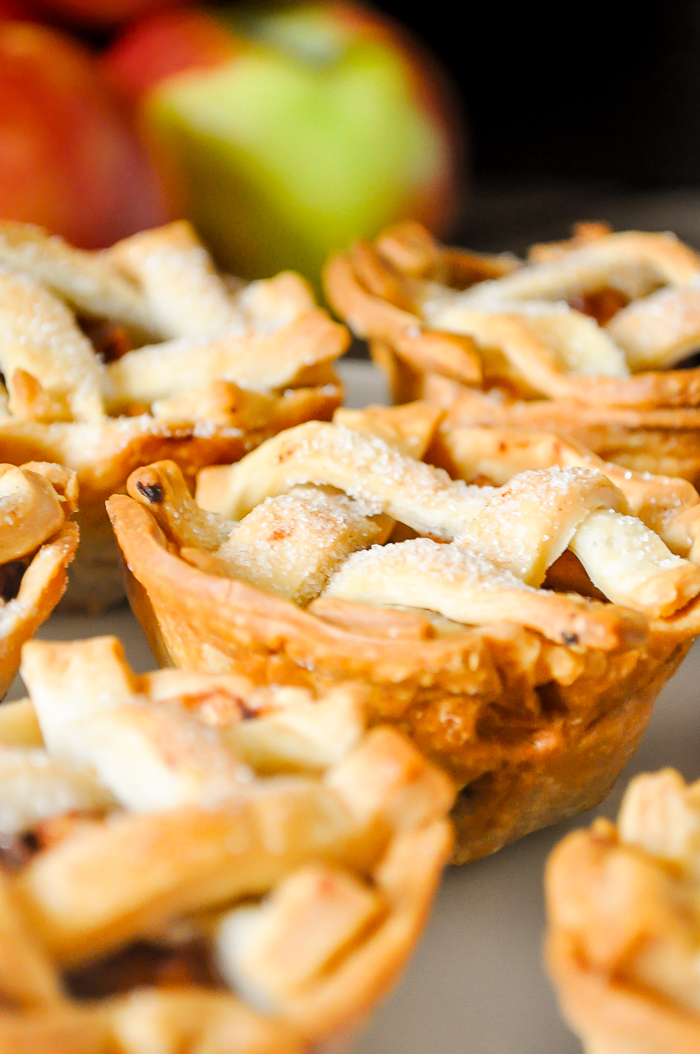 Mini Pie Recipe with Apple Filling - Delicious and Easy Christmas Dessert