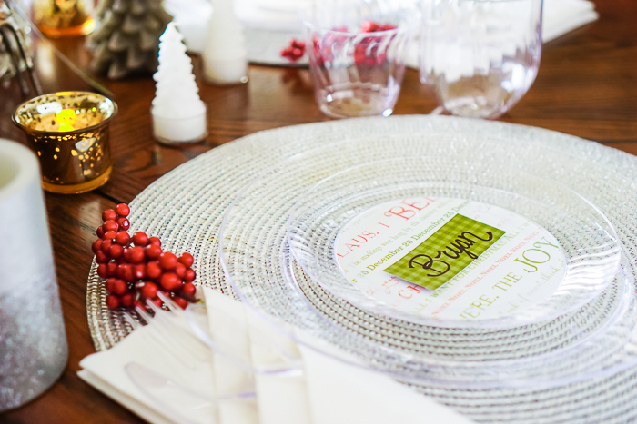 'Tis the Season for holiday entertaining!! Tips for easy holiday table decor, including a DIY for custom party plates and dinnerware that can be used for Christmas, New Years, and any fun celebration. | The Love Nerds #partydecor #holidaytablescape #christmasdecorations