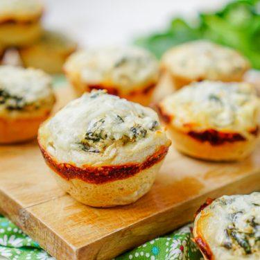 Mini Spinach Dip Bread Bowls _