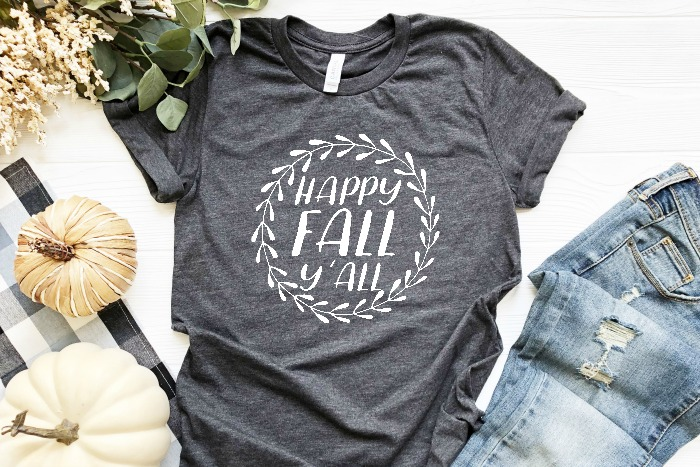 Fall is my favorite season of the year, so it's time to celebrate with these fun Fall SVG files! Perfect for making DIY shirts, custom mugs, homemade gifts and more! Plus I'm giving you all a FLASH FREEBIE fall design!  | THE LOVE NERDS #cricutfiles #silhouettefiles #svgcutfiles #falldiy