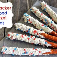 Patriotic Firecracker Dipped Pretzel Rods