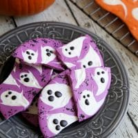 Halloween Ghost Chocolate Bark: DIY Halloween Candy