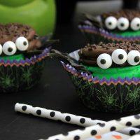 Oreo Spider Cookie Sandwiches